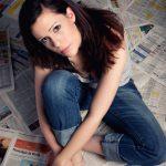 Home Fashionshooting Portraits Indoor mit weiblichem Model